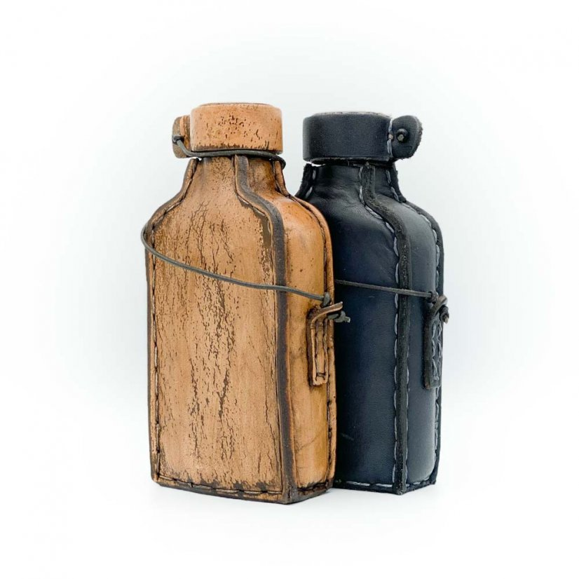 Leather bottle, more colours - Colour: Black
