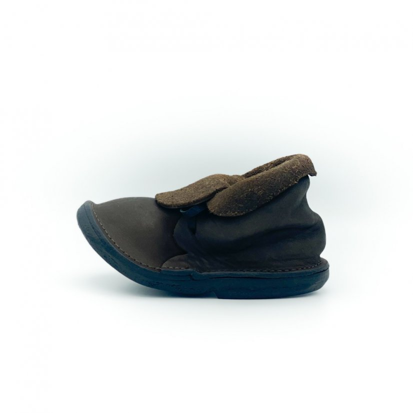 Stand in a shoe shape, more colours - Colour: Brown